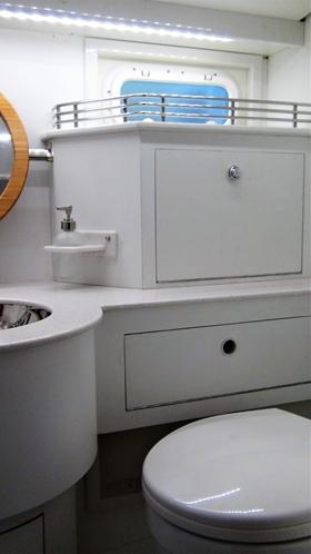Aanpassing van het kastje en meer ruimte voor het toilet