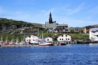 Met de stroom tegen is er even tijd om het kerkje van Havoysund even goed te bekijken