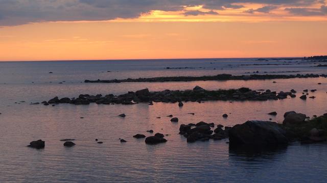 De Finse kust is ondiep!