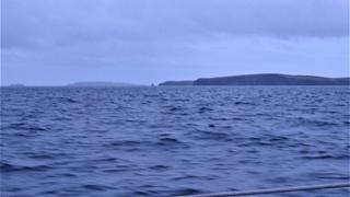 De Orkneys opde horizon