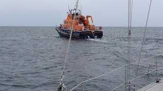 Gesleept door de Lifeboat