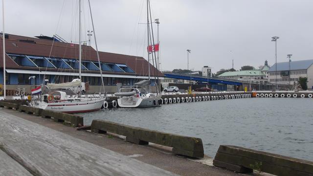 De tweede dag in de ruime haven van Varberg, samen met een Franse zeiler.