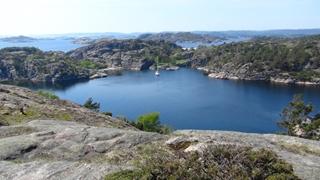 Olavsundet vanaf een van de toppen van Helgoya