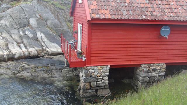 Oorspronkelijk de schuur waar vee tijdelijk werd gestald voor transport over water naar boeren in andere dorpen.