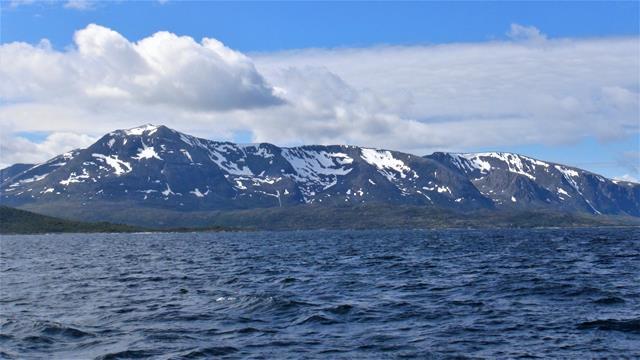 Niet alle bergen zijn groen in de Vesterålen