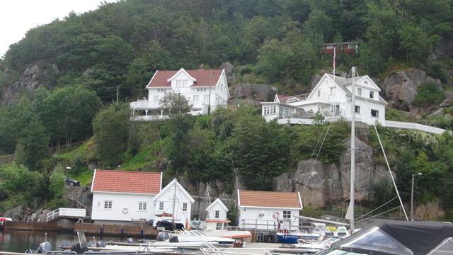 De huizen op de heuvel zijn alleen te voet bereikbaar